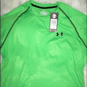 Under Armour Lime Snake Print short sleeve shirt L